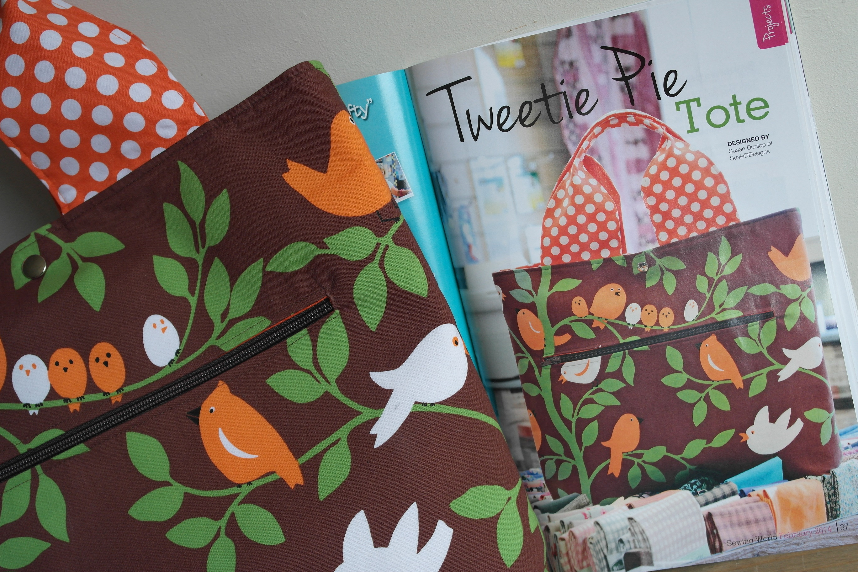 New bag making project featured in sewing world magazine tweetie pie shopper sewing project by susan dunlop in sewing world magazine jeuxipadfo Image collections