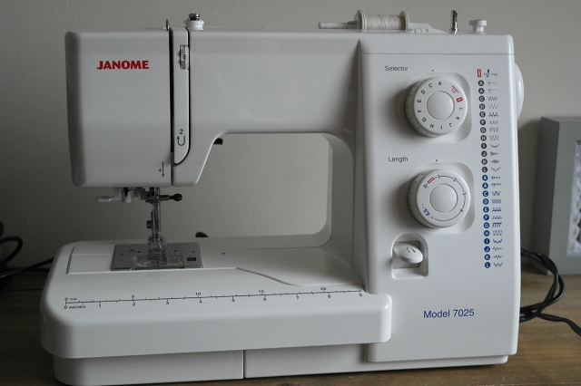 My Trusty Janome 40 Sewing Machine Review SusieDDesigns Sewing Enchanting Janome 7025 Sewing Machine Manual