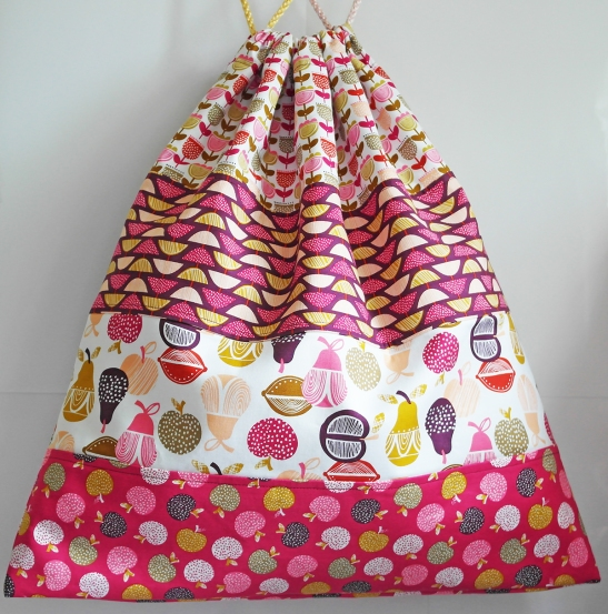 Retro Orchard Laundry Bag handmade by Susan Dunlop of SusieDDesigns