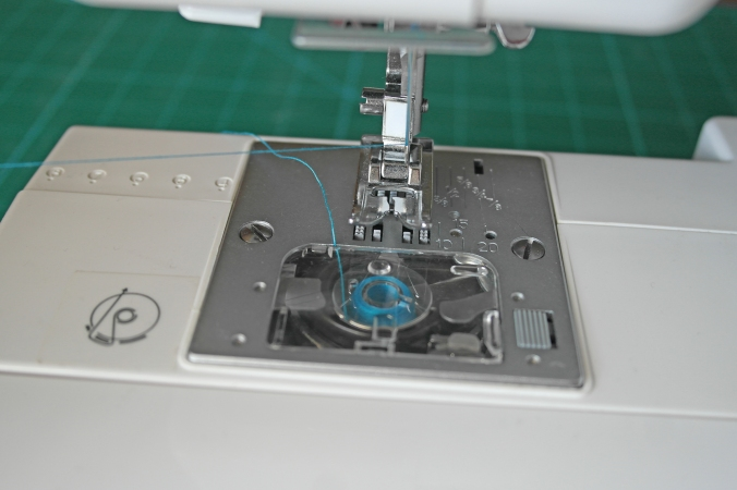 How to thread a sewing machine G