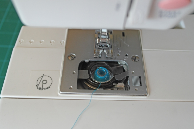 How to thread a sewing machine 2