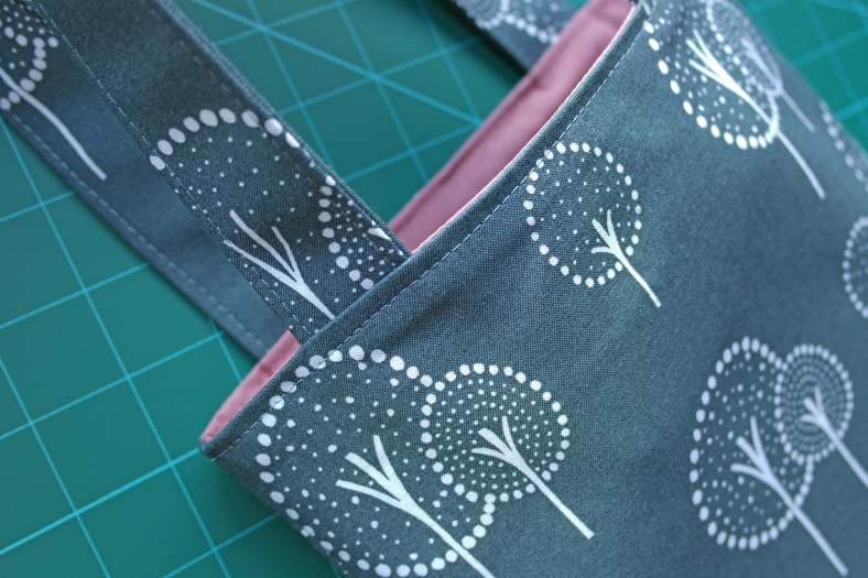 How to Topstitch a Bag Opening 4