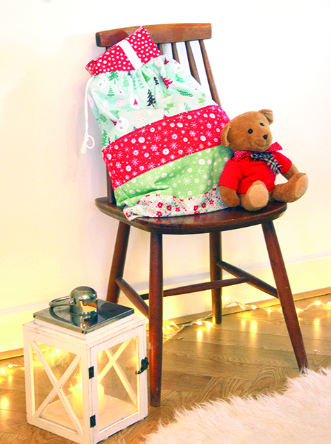 Christmas Sack by Susan Dunlop for Love Sewing Magazine 1