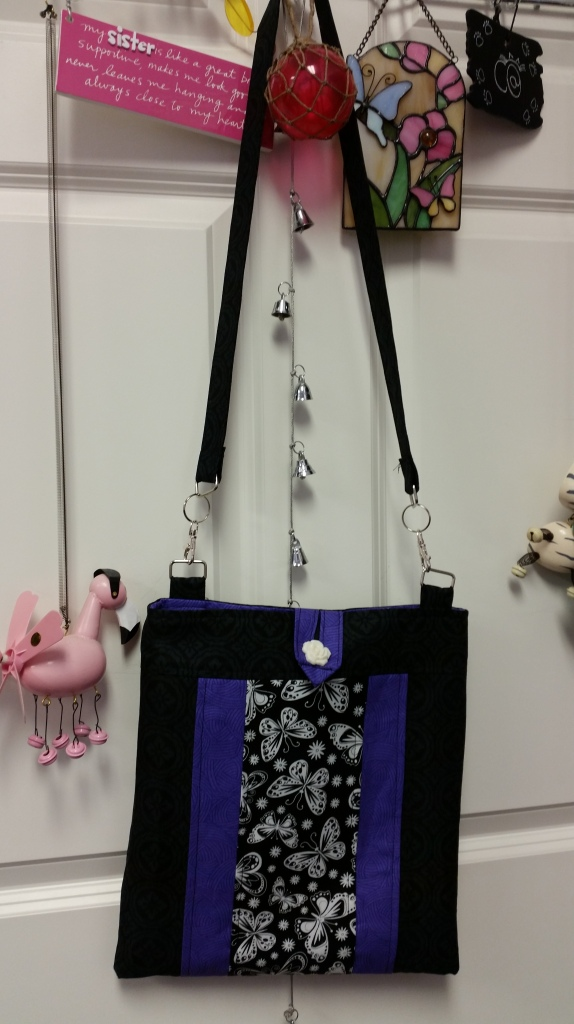 Hipster Shoulder Bag by Angie who used a SusieDDesigns sewing pattern