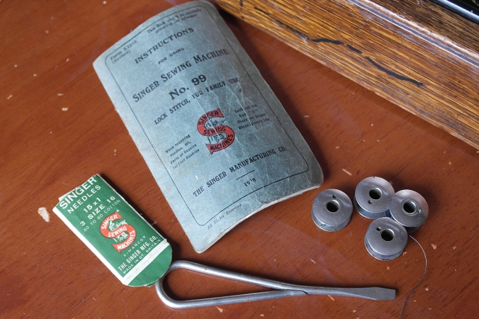 Vintage Singer Sewing Machine Instructions and Accessories