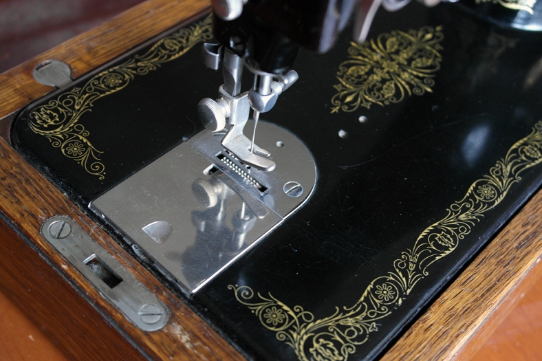 Vintage Singer Sewing Machine Presser Foot
