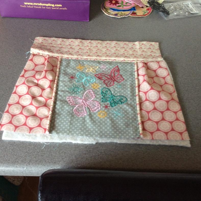 Janis Davies - Makes (embroidered sweetheart bag)